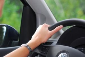 Kfz Trennung_by_Das Oberlandesgericht Frankfurt a.M. hat einer Ehefrau nach der Trennung ein Nutzungsrecht an dem gemeinsamen Auto zugesprochen._pixelio.de