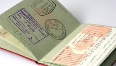 Geburtsregistereintrag verliert durch Identitätstäuschung seine Beweiskraft