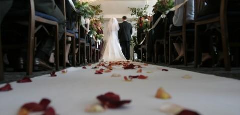 Jobcenter muss nicht für Hochzeitsfeier zahlen