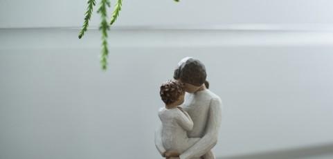 Leihmutterschaft im Ausland: Ausländische standesamtliche Beurkundung der Mutterschaft der genetischen Mutter begründet deren Anspruch auf Eintragung der Mutterschaft in Deutschland