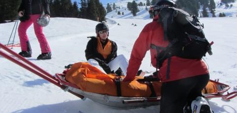 Skiunfall auf einer Teambildungsfahrt kann nicht als Arbeitsunfall anerkannt werden