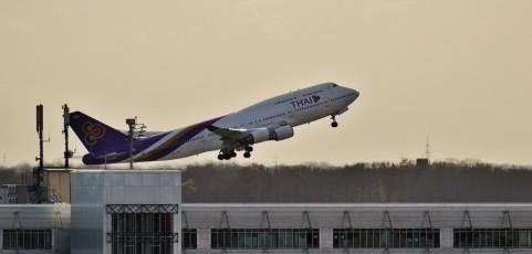 Reiseveranstalter haftet für verpassten Flug aufgrund Zugverspätung
