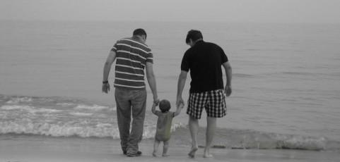 Kein Umgangsrecht des leiblichen Vaters aufgrund Gefährdung der Familienstruktur und somit des Wohls des Kindes