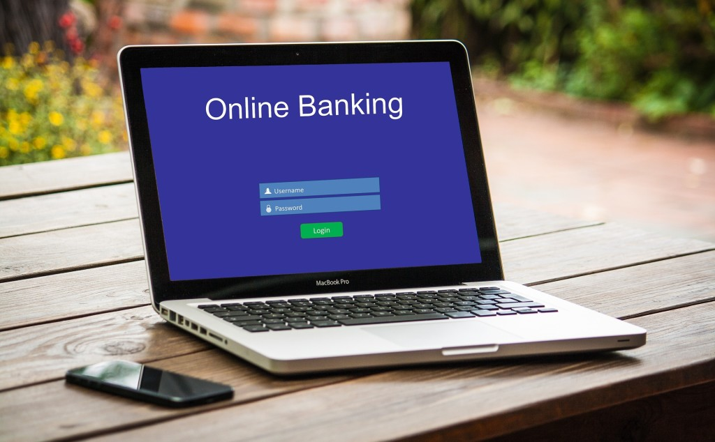 online-banking-3559760_1920